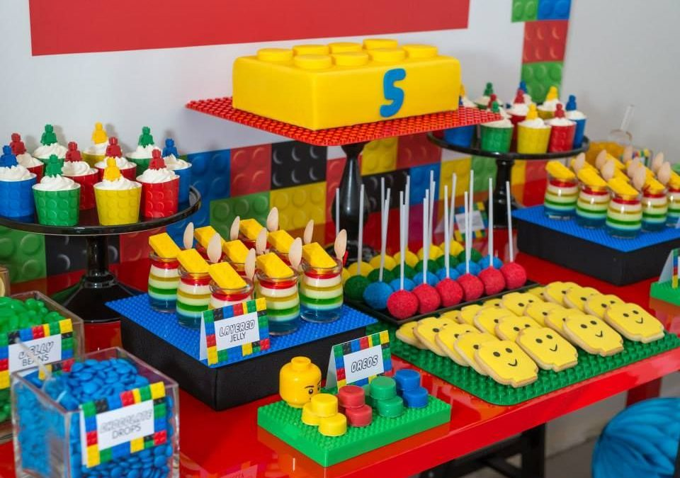 LEGO Birthday Parties – The Best Way To Entertain Kids – Expressive Mom